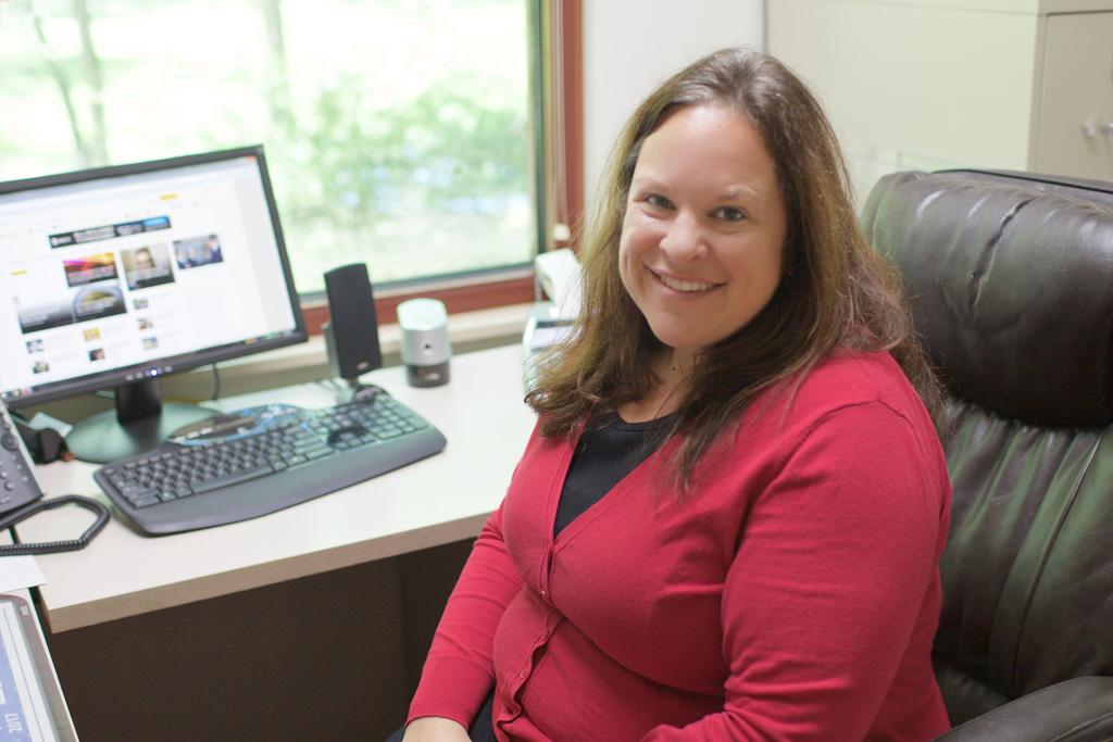 Office Manager Amanda Mayo